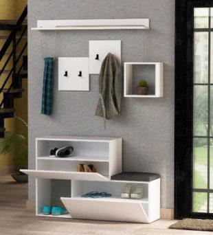 Bílý nábytek do moderního zádveří
