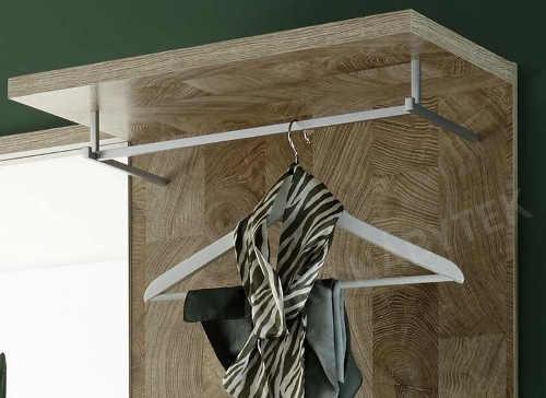 Věšákový panel s šatní tyči do předsíně