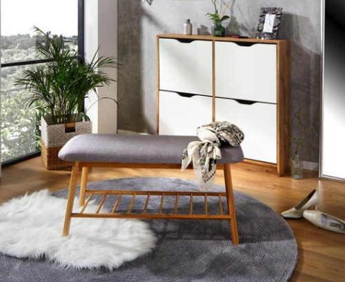 Otevřený bambusový botník s polstrovanou lavicí